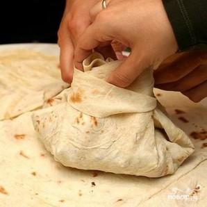 Мясо в армянском лаваше - фото шаг 7