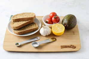 Тосты с авокадо - фото шаг 1