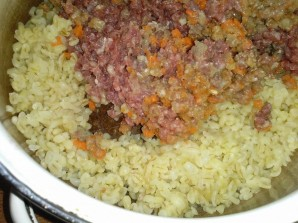 Перец, фаршированный булгуром, мясом и овощами - фото шаг 3