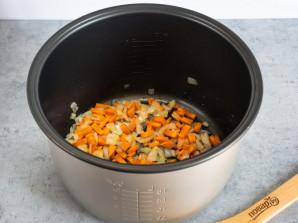 Капуста с мясом и картошкой в мультиварке - фото шаг 2