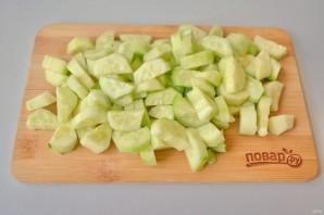 Салат из кабачков и огурцов - фото шаг 3