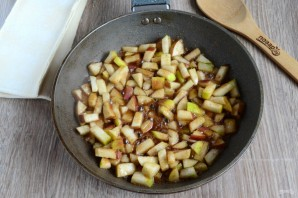 Сочные слойки с яблоками - фото шаг 4
