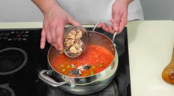 Томатный суп с горбушей и оливками - фото шаг 3