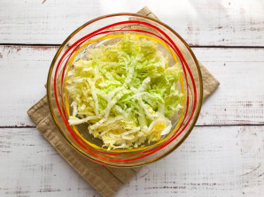 Салат из свеклы и пекинской капусты - фото шаг 2