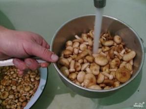 Опята с картошкой в духовке - фото шаг 1