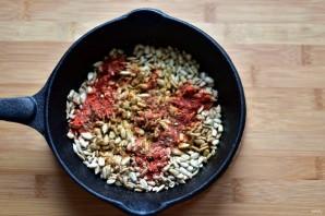 Тыквенный хумус с пряными семечками  - фото шаг 2