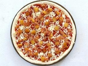 Пицца с беконом и ананасами - фото шаг 3