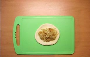 Пирожки с капустой на сковороде - фото шаг 6