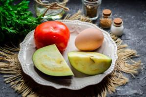 Салат из баклажанов, яиц и помидор - фото шаг 1