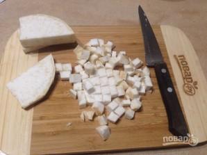 Луково-сельдерейный суп с грибами - фото шаг 4