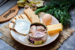 Салат с тунцом и крекерами - фото шаг 1