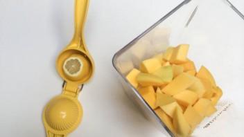 Напиток из манго - фото шаг 3