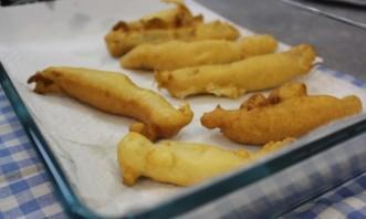 Кляр для рыбы с водкой - фото шаг 7
