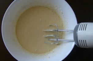 Заливной пирог в мультиварке - фото шаг 6