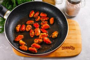 Салат с мидиями и капустой - фото шаг 2