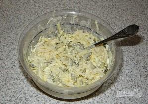 Салат из кальмаров с соленым огурцом - фото шаг 8
