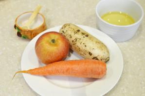 Дайкон с морковью и яблоком - фото шаг 1