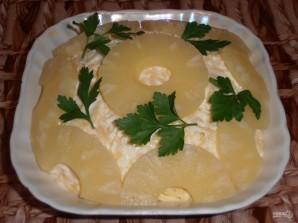 Салат из курицы и ананаса - фото шаг 11