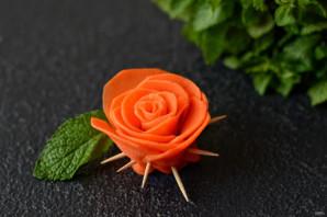 Розы из моркови - фото шаг 6