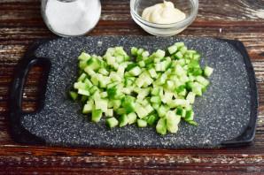 Салат с крабовым мясом и кальмарами - фото шаг 5