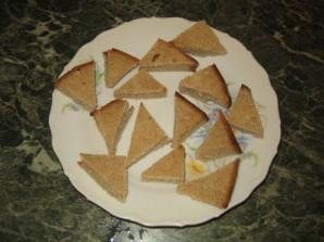 Мини-бутерброды на шпажках - фото шаг 2