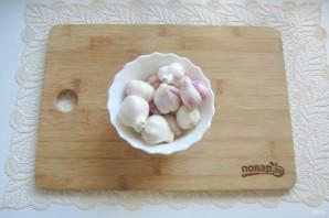 Маринованный чеснок со свеклой - фото шаг 2