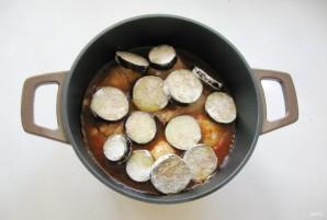 Куриные голени с баклажанами в соево-медовом соусе - фото шаг 6