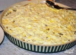 Слоеный салат с курицей и ананасами - фото шаг 6