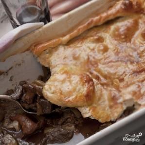 Мясной пирог под слоеным тестом - фото шаг 8