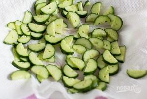 Салат из кукурузы и огурца - фото шаг 1