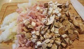Котлеты с грибами в духовке - фото шаг 2