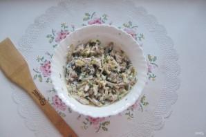Салат с мясом и жареными шампиньонами - фото шаг 13
