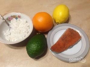 Салат из риса с лососем, авокадо и апельсином - фото шаг 1