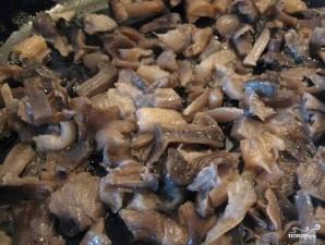Тушеная квашеная капуста с грибами - фото шаг 2