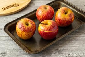 Печеные яблоки с клюквой - фото шаг 7