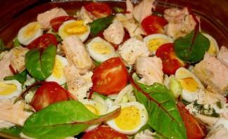 Салат с отварным лососем - фото шаг 3