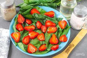 Клубничный салат с миндалем - фото шаг 6