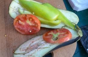 Овощи в фольге на мангале - фото шаг 2
