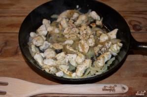 Куриное филе в сметанном соусе - фото шаг 6