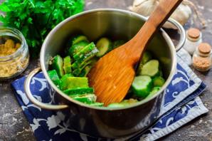 Салат из огурцов с горчицей и маслом на зиму - фото шаг 5