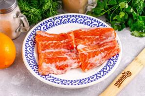 Засолка красной рыбы с лимоном - фото шаг 2