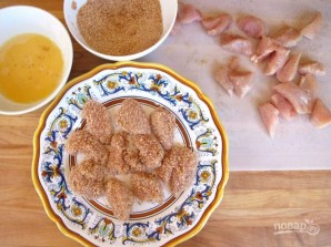 Курица в панировке с соусом - фото шаг 3