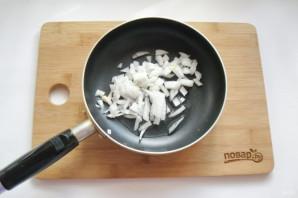 Жареные огурцы с грибами - фото шаг 2