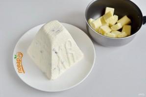 Пасха с глазурью из белого шоколада - фото шаг 8
