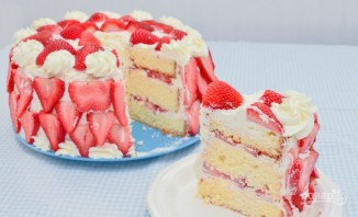 Торт со сливками и клубникой - фото шаг 13