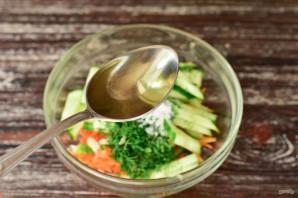 Салат с корейской морковкой и огурцом - фото шаг 6