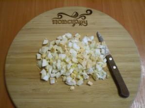 Салат с корейской морковкой и кукурузой - фото шаг 4