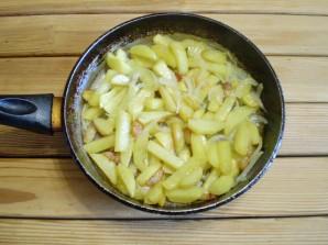 Картошка с салом на сковороде - фото шаг 8