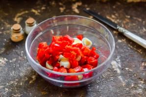 Салат из кальмаров с помидорами - фото шаг 4