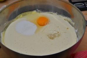 Дрожжевые оладьи на молоке - фото шаг 4